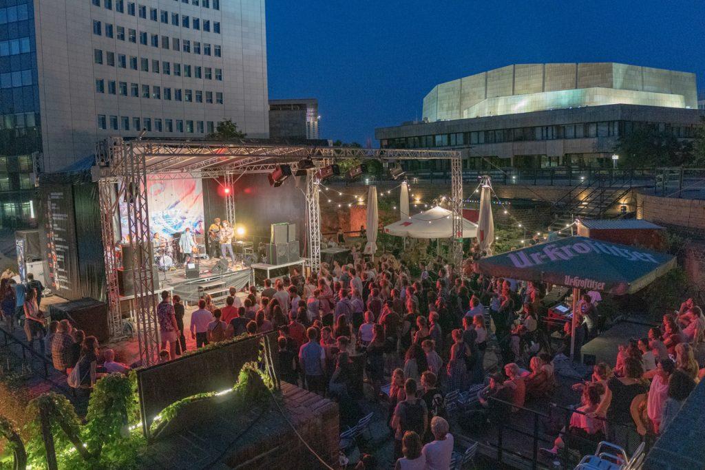 Das Leipzig Pop Fest ist seit 2020 eines der wichtigsten Leipziger Festivals für die hiesige Branche und eine attraktive Chance für aufstrebende Liveacts.